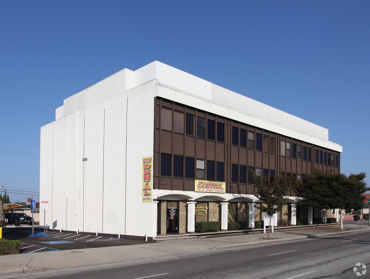 18039 Crenshaw Blvd #306 | LEASED